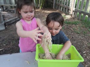 Spaghetti worms on the playground!😊