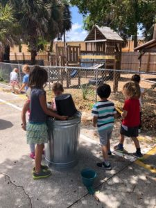 Rooms 2 & 3- Working in the outdoor environment getting the earth ready tonplant flower bulbs.🌷🥀